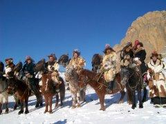 Казахские джигиты во время соколиной охоты