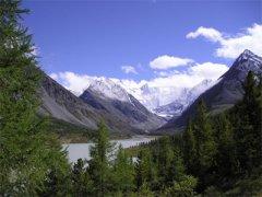 Алтай: Акемское озеро и северный склон г. Белуха