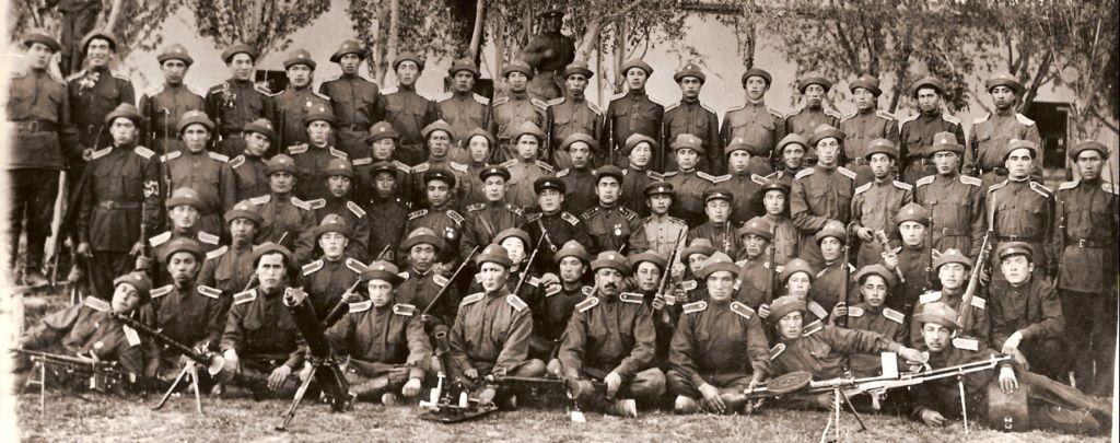 Курсанты ВТР (1945). Баяндайcкое военное училище.