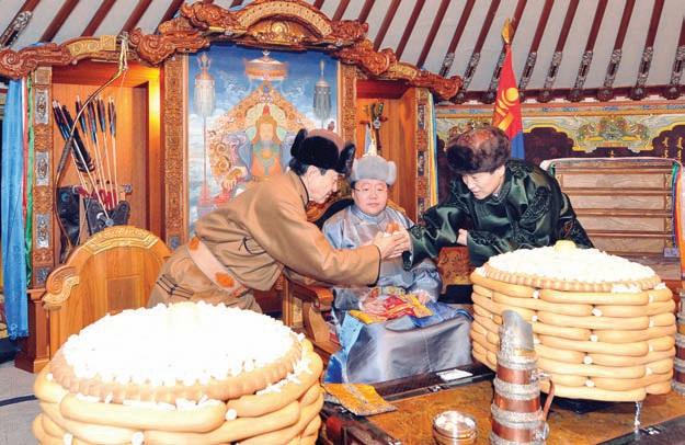 Цагаан сар в монгольском парламенте - Халха-монголы - Галерея ...