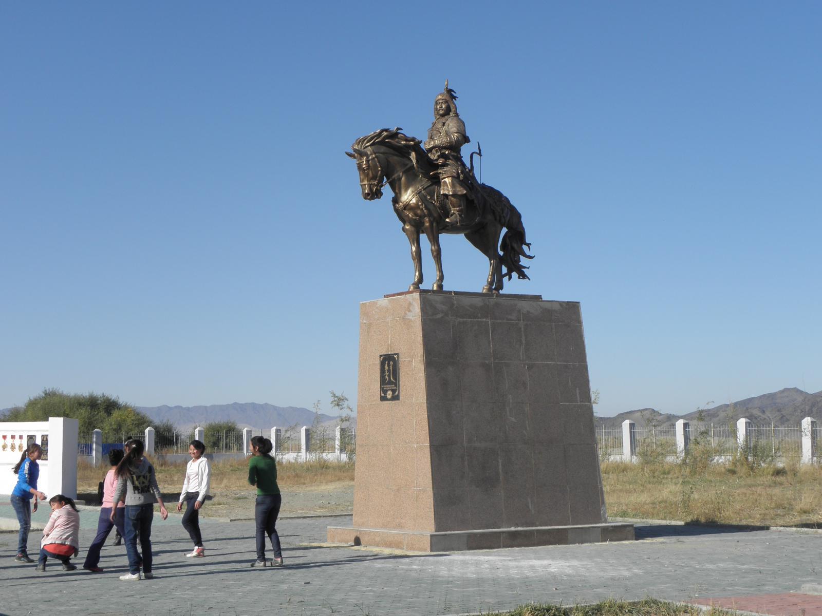 Памятник кереитскому Убаши-хану