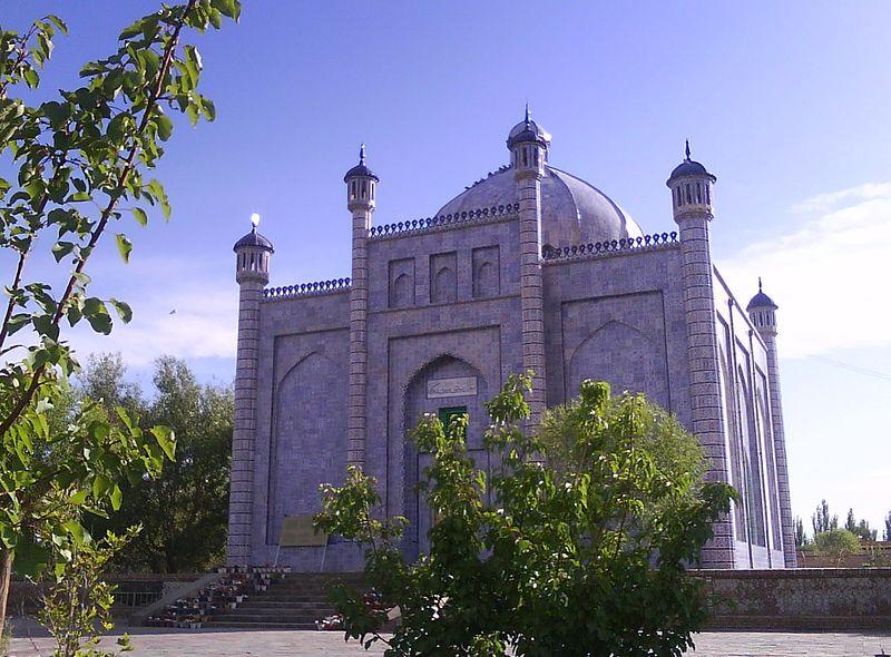 Мазар Сутук Бограхана (самого почитаемого караханида)