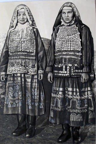 Курганские башкирки, в традиционном хиджабе. 1959 год.